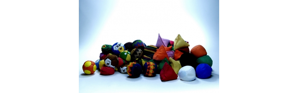 tshaka / rasta / foot bag / pyramide / uglies / mini balle